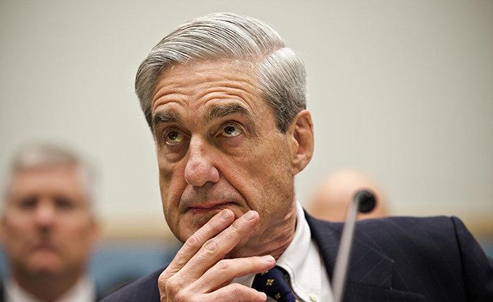 Директор ФБР Роберт Мюллер на Капитолийском холме в Вашингтоне