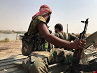 Бойцы сирийской армии во время подготовки к форсированию реки Ефрат в районе города Дейр-эз-Зор. 18 сентября 2017