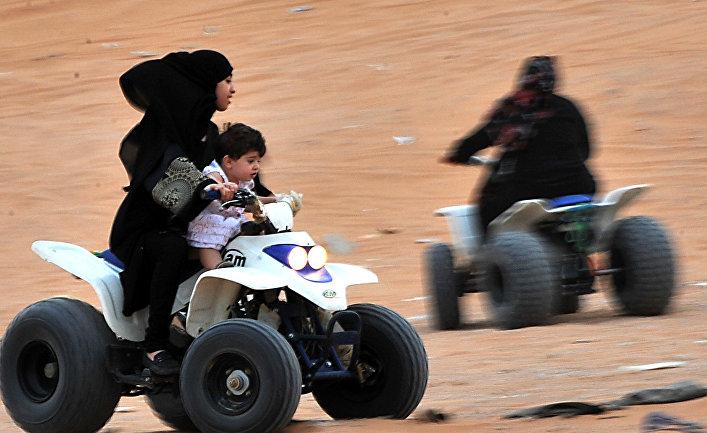 Форд «прокомментировал» снятие запрета навождение для саудовских женщин в новейшей рекламе