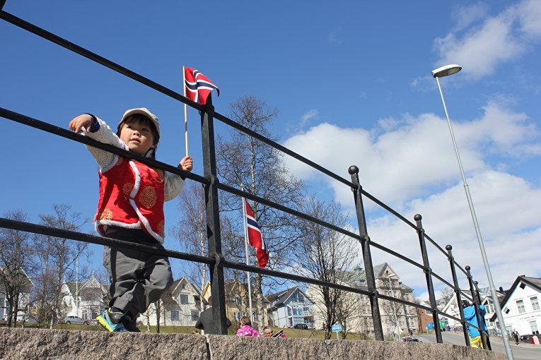 17 мая 2015. Ребенок на праздновании Дня Норвегии