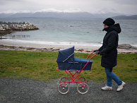 Женщина с коляской в Норвегии