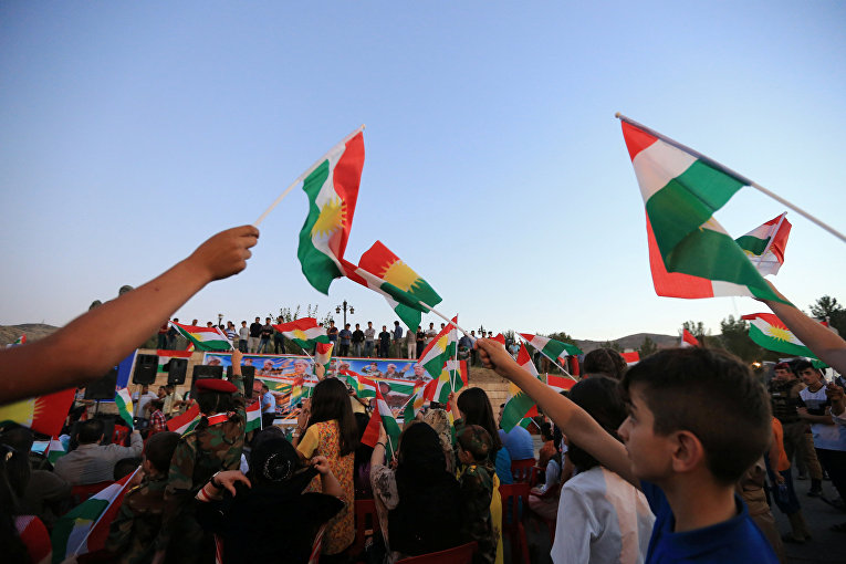 Митинг в поддержку предстоящего референдума о независимости Курдистана в городе Дахук, Ирак