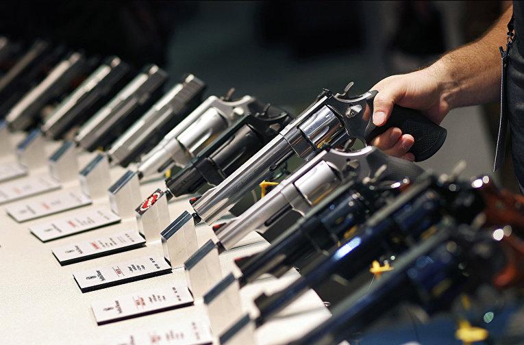 Страсть американцев к оружию: статистика и факты