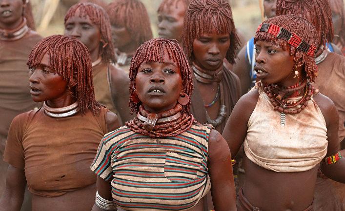 Женщины из эфиопского племени Хамер