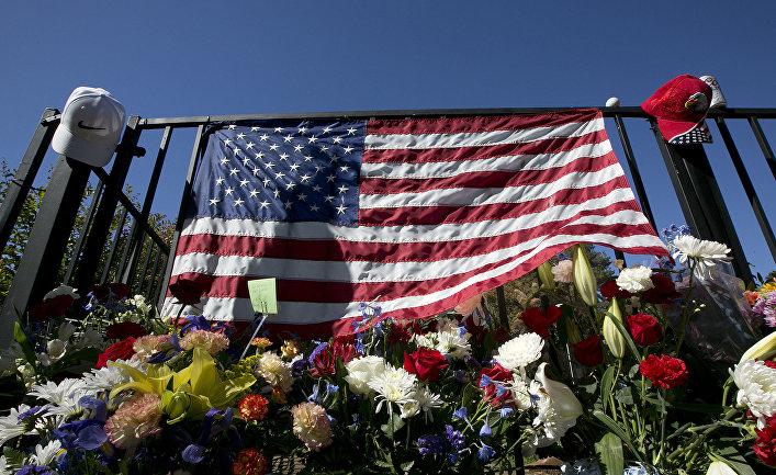 Мемориал в память о погибших в Лас-Вегасе