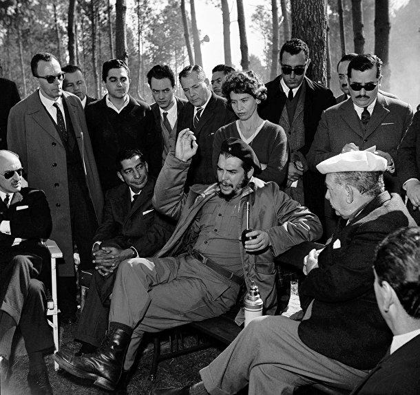 Че Гевара с президентом Уругвая в Пунта-Дель-Эсте, 1961 год
