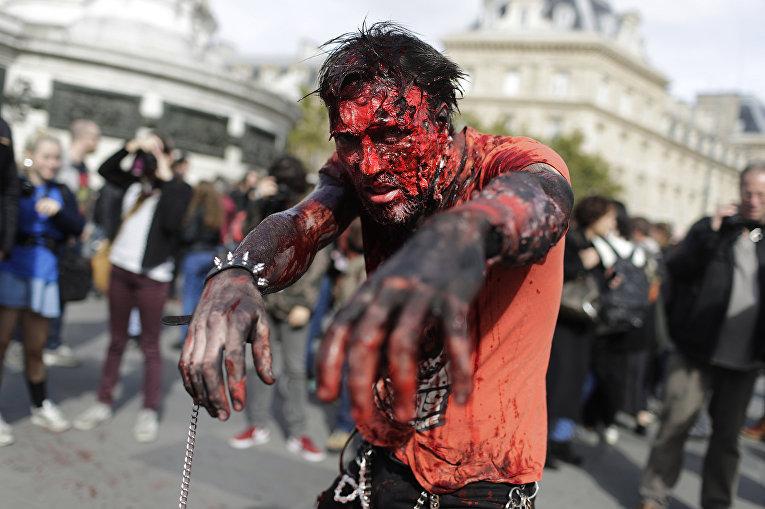 Главное— имитировать походку зомби