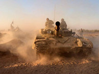 Танки сирийской армии на позициях в районе Дейр-эз-Зора