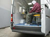 Наркоман получает медицинскую помощь в Берлине, Германия
