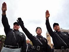 Участники ультраправых организаций во время митинга в Предаппио, Италия