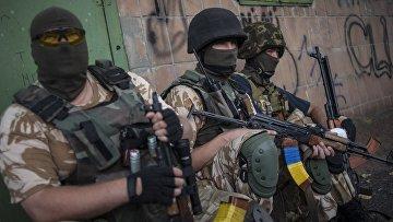 Бойцы батальона «Донбасс» в городе Марьинка Донецкой области