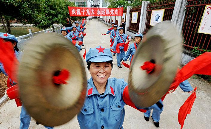 Социализм скитайской специфичностью: СиЦзиньпин анонсировал вступление КНР в новейшую эру