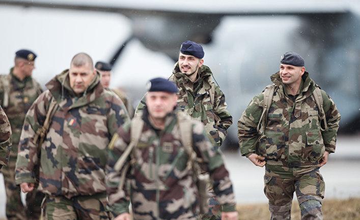Французские солдаты прибывыли на военную авиабазу Амари в Эстонии