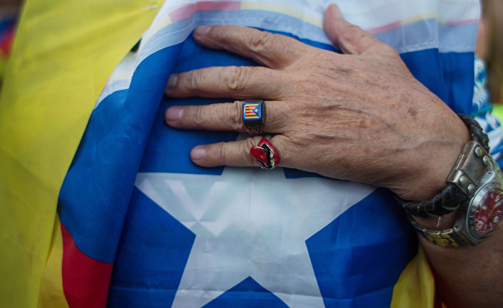 Глава Каталонии призвал приостановить провозглашение независимости