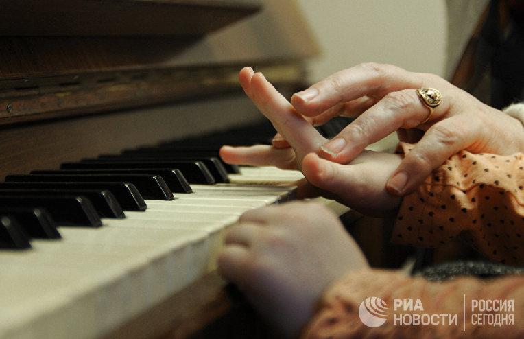 Работа детской музыкальной школы имени А. С. Аренского в Великом Новгороде
