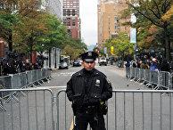 Сотрудник полиции в районе места теракта в Нью-Йорке. 1 ноября 2017