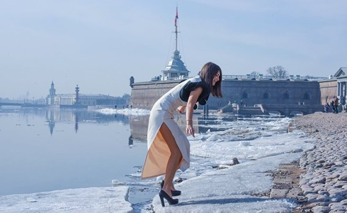 Фотография из книги Даниэля Бискупа «Санкт-Петербург - Контрасты»