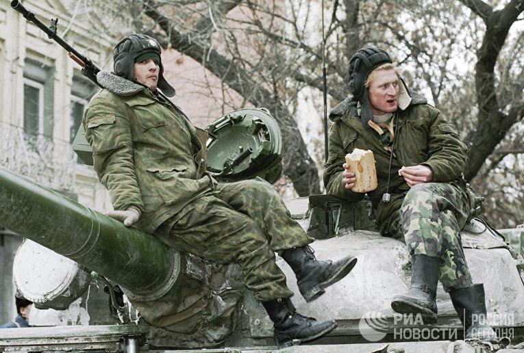 Российские танкисты в Чечне