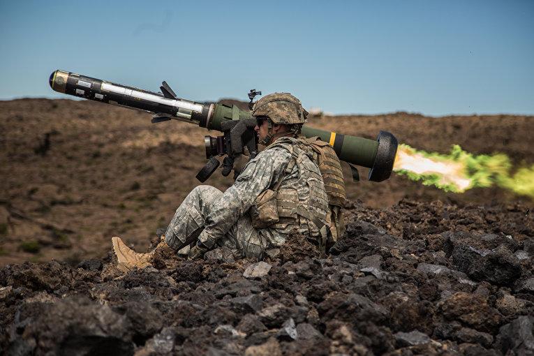 Американский переносной противотанковый ракетный комплекс (ПТРК) FGM-148 Javelin