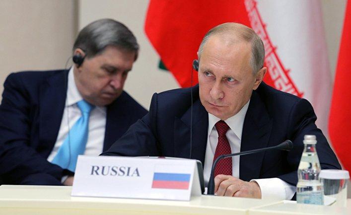 Владимир Путин во время встречи с президентом Ирана Хасаном Рухани и президентом Турции Реджепом Тайипом Эрдоганом. 22 ноября 2017