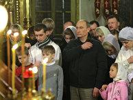 Владимир Путин на рождественской службе в одном из храмов Костромы