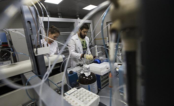 Сотрудники лаборатории, в которой работал Григорий Родченков в Москве