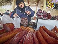 Продажа мясных изделий на рынке в Одессе