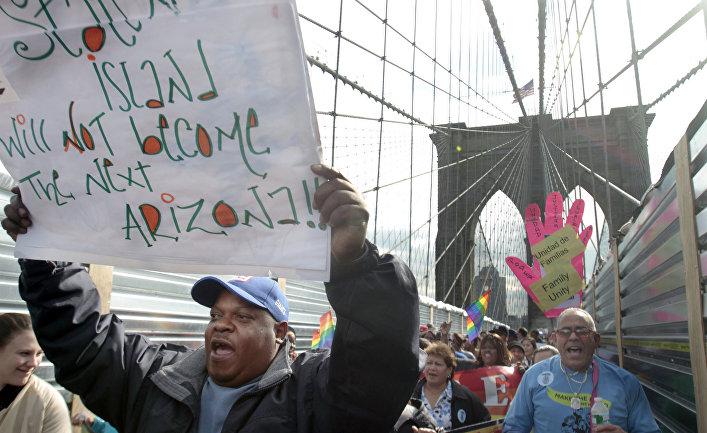 Акция протеста латиноамериканских рабочих в Нью-Йорке