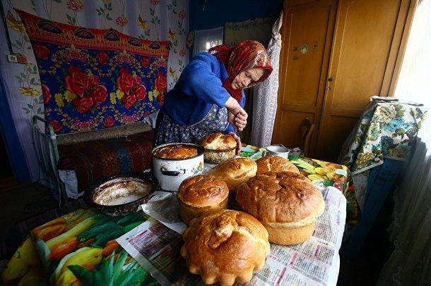 Юлия Панченя в Белорусской деревне Погост