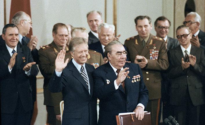 Леонид Брежнев и Джимми Картер