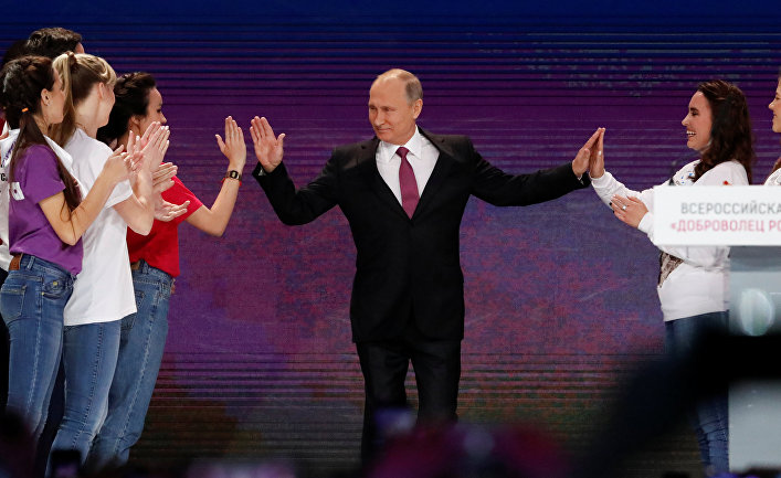 Путин объявил отом, что выдвинет свою кандидатуру напост Президента Российской Федерации