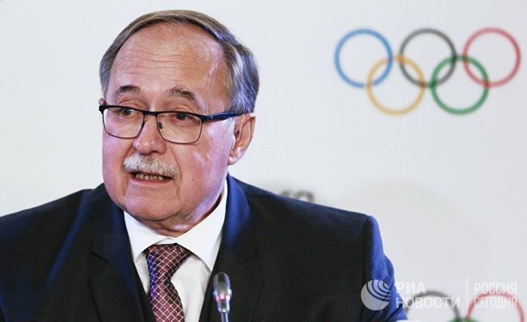 Глава комиссии Международного олимпийского комитета Самуэль Шмид на пресс-конференции по итогам заседания исполкома МОК в Лозанне