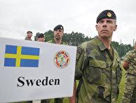 Военнослужащие ВС Швеции во время Международных военных учений Rapid trident-2016 на территории Яворивского полигона во Львовской области