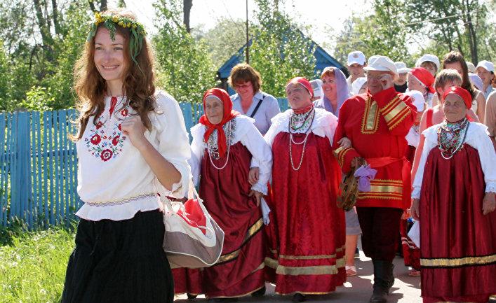 Парнишка русских мамаша