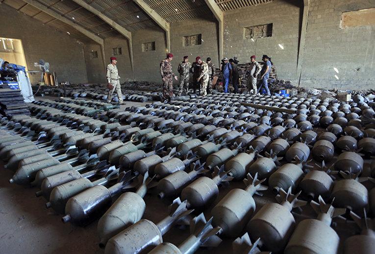 Боеприпасы, принадлежавшие боевикам ИГИЛ (запрещено в РФ), найденные в Фаллудже в Ираке