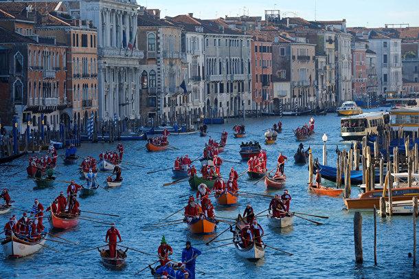 Во время рождественской регаты в Венеции