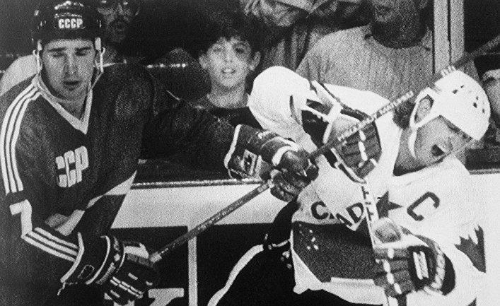 Драка между хоккеистами команд СССР и Канады