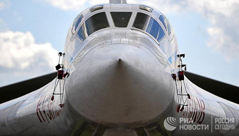 """Стратегический бомбардировщик-ракетоносец Ту-160 """"Николай Кузнецов"""""""