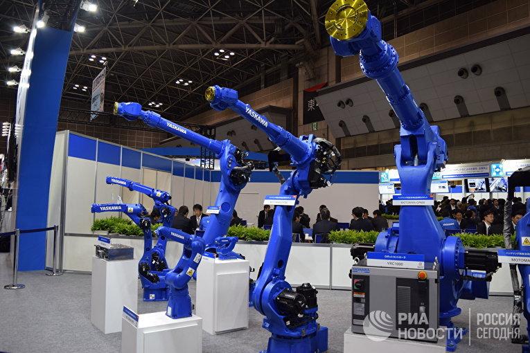Промышленные роботы на международной выставке роботов IREX в Токио