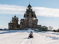 "Снегоход с туристами в музее-заповеднике ""Кижи"""