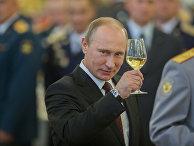 В.Путин на приеме в честь выпускников военных академий в Кремле