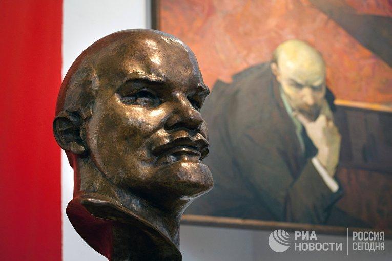 """Выставка """"Ленин'17"""" открылась в Минске"""