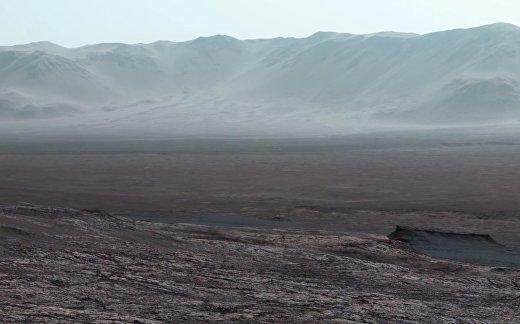 Прогулка по марсианскому кратеру