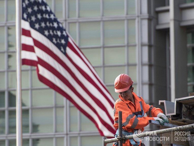 США приостанавливают выдачу неиммиграционных виз в России