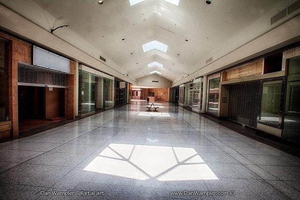 Заброшенный Крествуд молл в Сент-Луисе